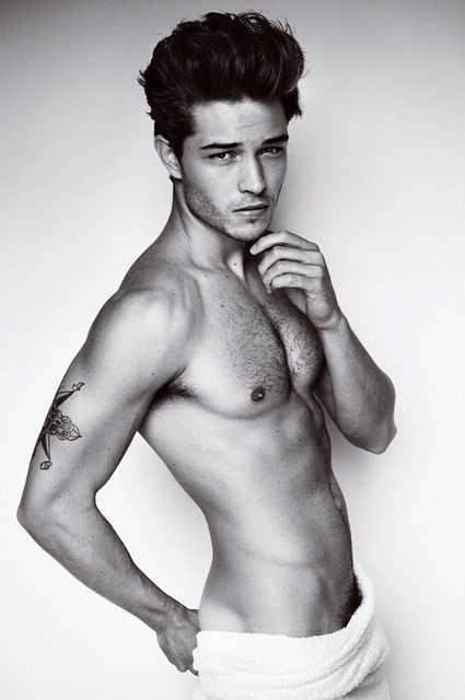 Francisco Lachowski naked towel Testino