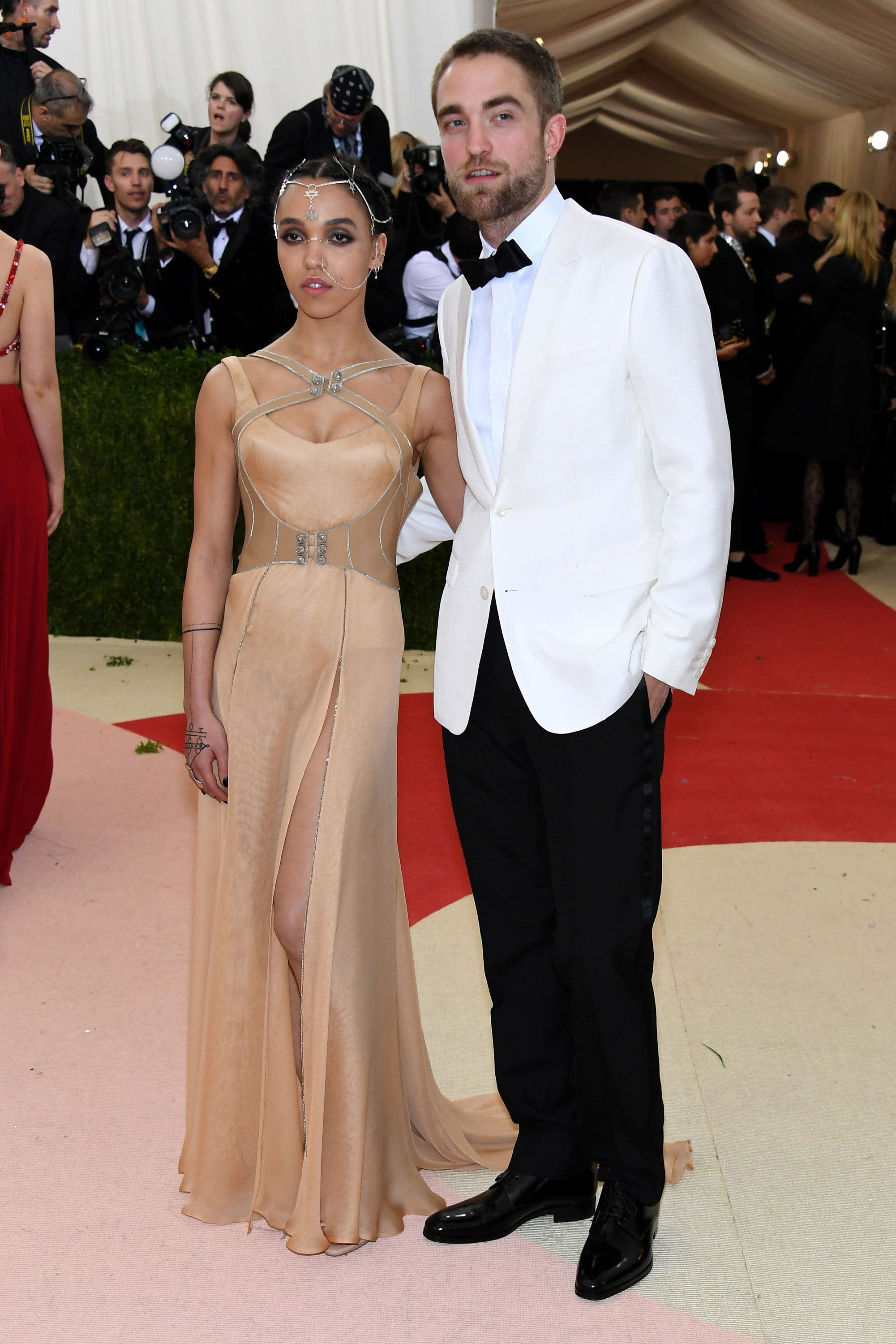 fka twigs robert pattinson Met Gala 2016