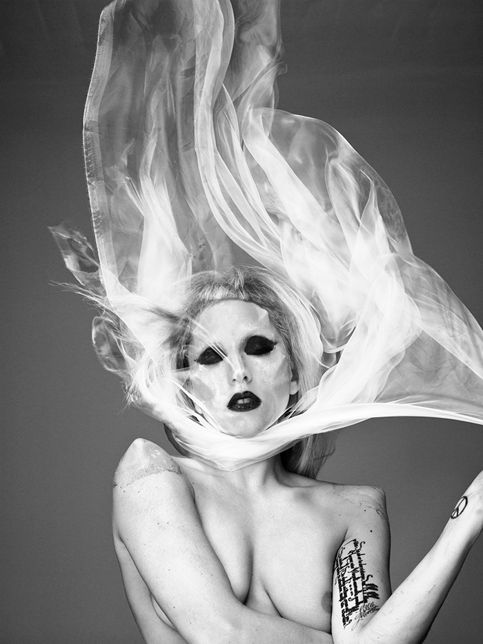 lady gaga mariano_vivanco_portraits_nudes_flowers-41